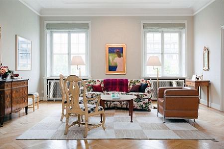 Un apartamento muy especial que mezcla estilos decoraci n for Living estilo clasico