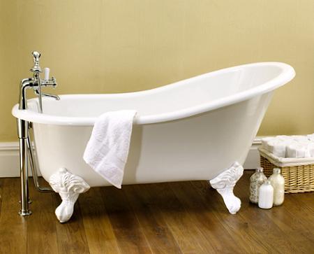 ba eras de estilo antiguas con patas de aire cl sico y On bañera antigua con patas