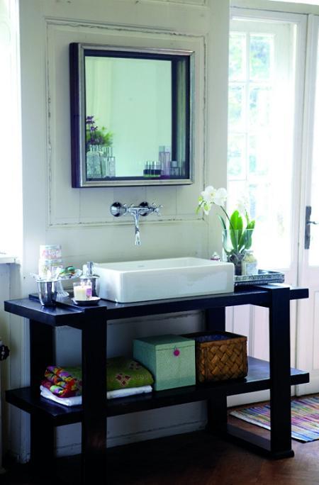 Bachas Para Baño Pequeno: instalar un colgante fijo para colgar y guardar un par de toallas