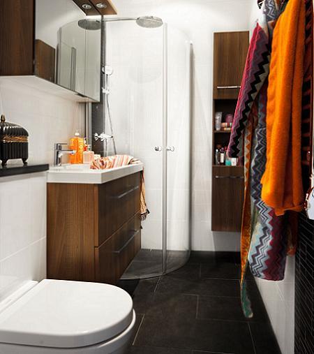 de los baños pequeños, mejor que se combinen con muebles blancos