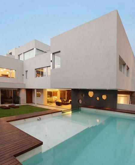 Decoraci n casa minimalista con piscina for Casas con piscinas fotos