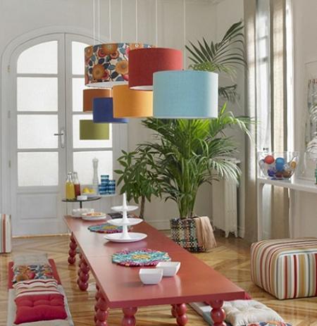 Idea para renovar tu comedor, combina diferentes lámparas de techo ...