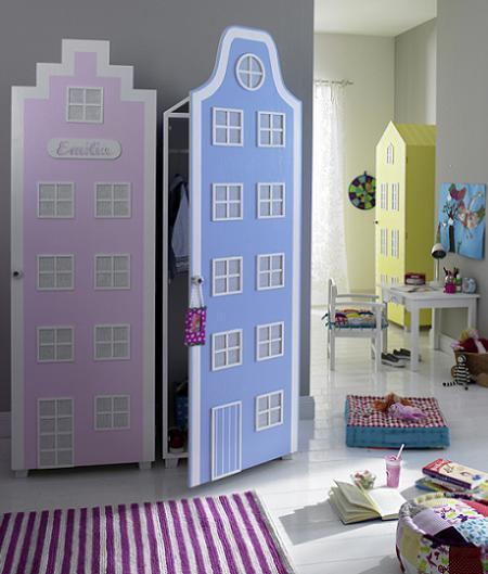 Decoraci n muebles infantiles armario con forma de casa for Armarios para habitaciones infantiles