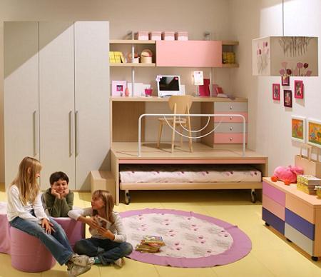 Decoraci n 50 fotos de dormitorios infantiles de dise o - Camas con escritorio debajo ...