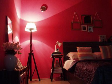 Rosa en el dormitorio
