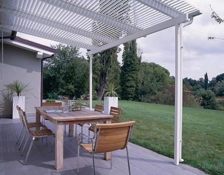 P rgolas crear un porche en tu terraza o jard n decoraci n - Pergolas de aluminio para jardin ...