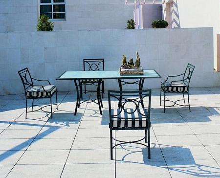 Decoraci n 21 fotos de conjuntos de mesa y sillas para for Kettal barcelona