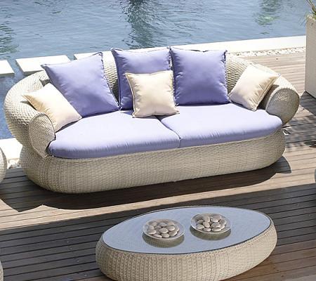 A ade estilo y confort a tu terraza con cojines decoraci n for Sofa exterior hipercor