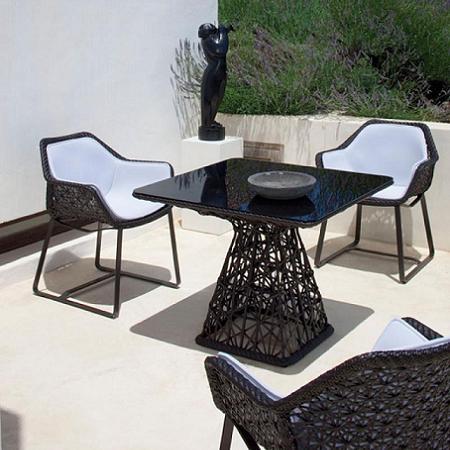 Mesas para terraza decoraci n for Mesa de terraza con quitasol