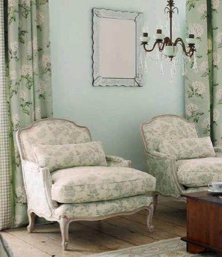 Decoraci n el encanto de los muebles recuperados ideas y - Lamparas laura ashley ...