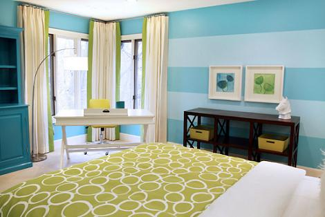 Dormitorio de rayas azules