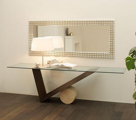 Decoraci n consola de dise o espejo un hall muy sofisticado for Espejos para entrada modernos