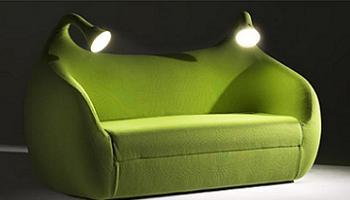 Decoraci n sof cama de dise o con luces de lectura for Cuanto cuesta un sofa cama
