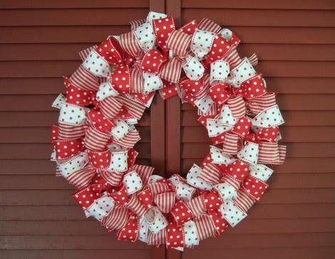 Coronas de navidad caseras para decorar las puertas for Decoracion de navidad casera