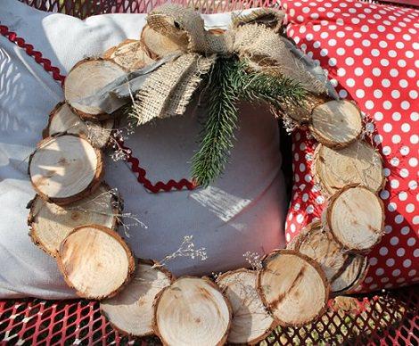 Coronas de navidad caseras para decorar las puertas - Decoracion navidena casera ...