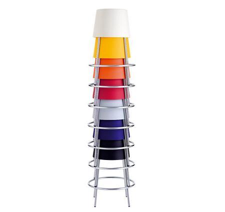 Taburetes altos y apilables una soluci n de dise o para no falte asiento decoraci n - Taburetes de diseno para cocina ...
