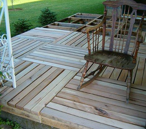 C mo colocar un suelo de parquet hecho con palets de madera - Como colocar suelo ...