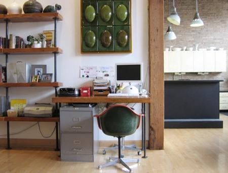 desk11071008.jpg