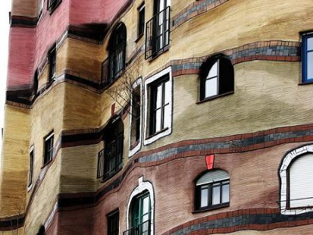 Todas las ventanas del Waldspirale son diferentes