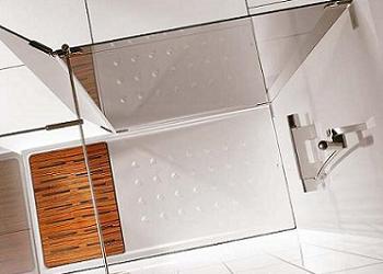 ducha con tarima de Roca