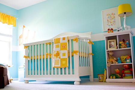 Habitación del bebé en amarillo