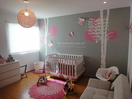 Habitación en rosa para bebé