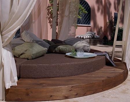 Daybed circular para crear un espacio muy especial en tu terraza o jardín