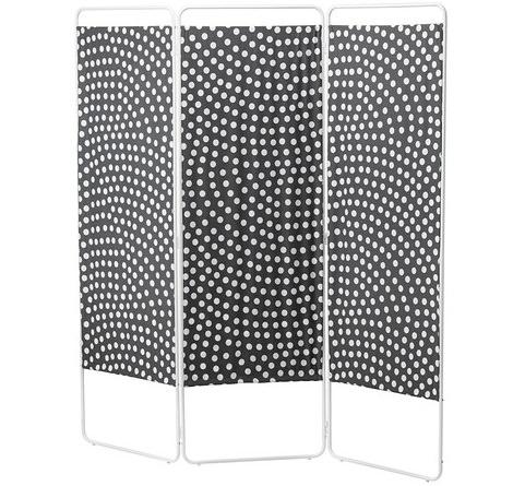 Biombos enconómicos de Ikea ideales para separar ambientes jordet