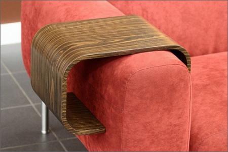 Kiwi armrest table