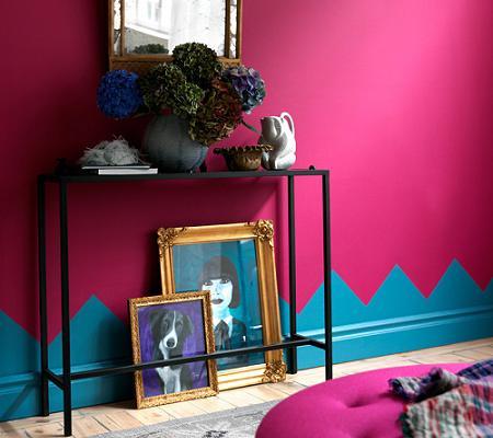 Pared pintada de rosa y azul
