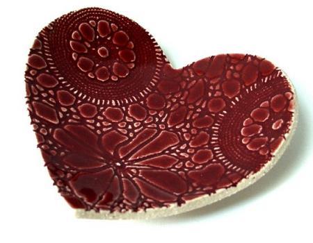 Regalos de San valentín: plato con forma de corazón